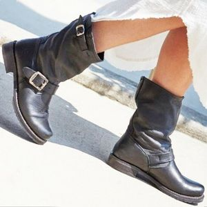 Veronica Shortie sloutchy leather boots